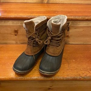 { SOREL } leather waterproof winter snow boots